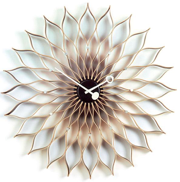 Nástenné hodiny Sunflower Clock, Vitra, breza/čierna farba, priemer 75 cm, 934,80 €, Konsepti