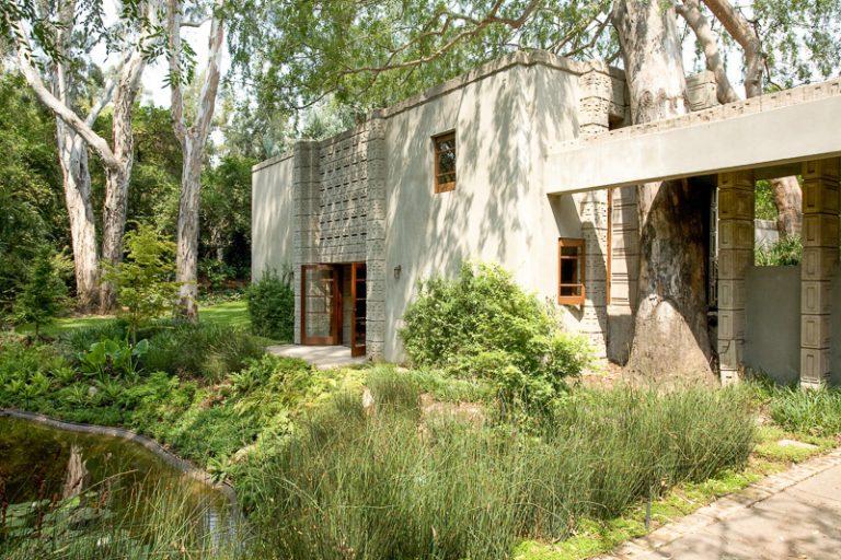 Veľkolepý dom z rúk legendy je na predaj!