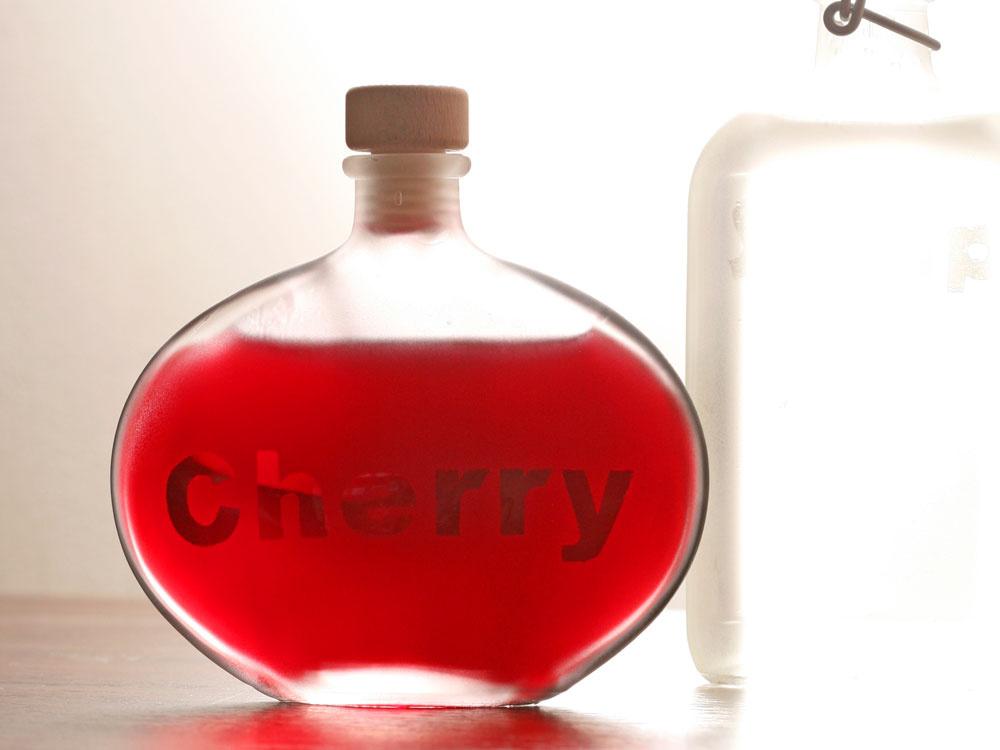 Prerobte si staré fľaše na pekné a praktické doplnky do kuchyne