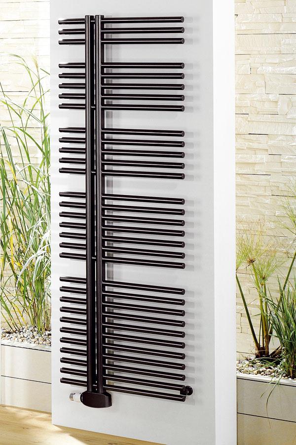 Kúpeľňový rebríkový radiátor Kronos, od 482 €, www.pmh-co.eu