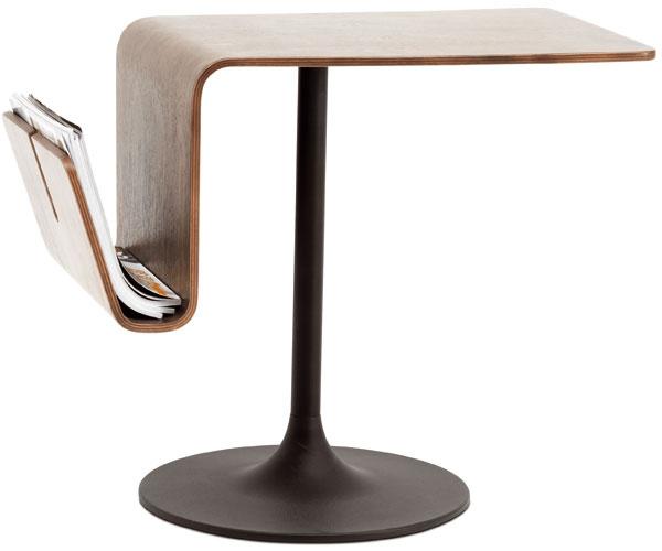 Príručný stolík Occa2150 spriehradkou na časopisy, orechová dyha, 50 × 64 × 35 cm, 278 €, BoConcept, LightPark
