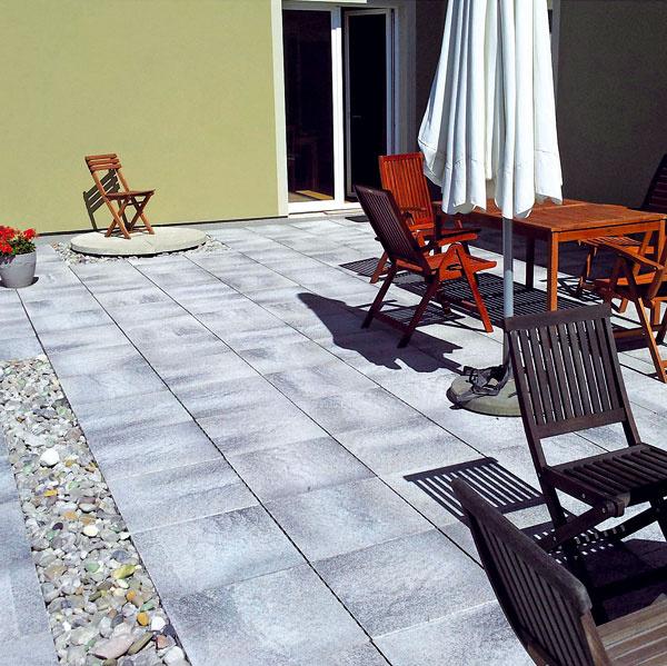 Semmelrock Premium Umbriano melírované betónové platne vhodné na terasy, 50 × 50 × 5 cm, 32,80 €/m2 bez DPH
