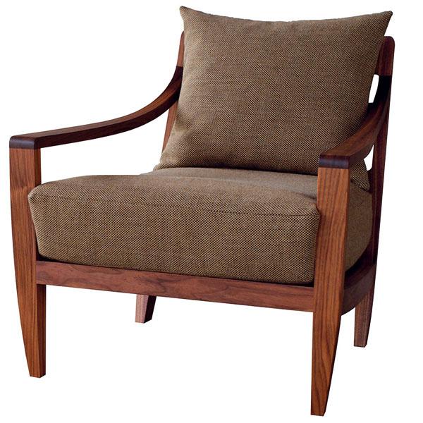 Low Lounge Chair, De La Espada, čalúnené kreslo, dub alebo orech, 72 × 87 × 72 cm, od 2 064,40 €, Konsepti