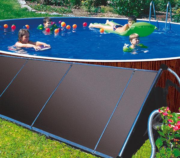 Solárny panel od Mountfieldu zohrieva bazénovú vodu tým, že čerpadlo filtračného zariadenia vháňa vodu do úzkych kanálikov panelu, kde sa slnečným žiarením ohrieva avracia sa ohriata späť do bazéna. Panel je vyrobený zpevného polyprolylénu, ktorý nekoroduje anezarastá vodným kameňom. Mal by byť umiestnený tak, aby naň svietilo slnko čo najdlhšie počas dňa aideálne, ak bude vsklone od 30 do 45°. Vprípade, ak by ste chceli panel umiestniť ďalej od bazéna alebo vyššie nad hladinou vody vbazéne, konzultujte sodborníkom, či netreba pridať čerpadlo. Na bazény do 30 m³ je určený panel splochou 5,4 m², na menšie bazény sobjemom do 20 m³ stačí aj plocha panela 3,6 m². Cena od 145,00 €