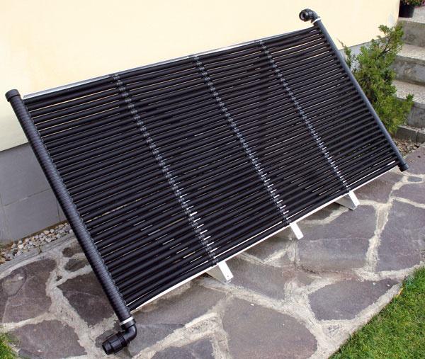 Solárny rúrkový absorbér NEO-FIP od Neosolaru je vyrobený zo špeciálne vyvinutých vlnitých absorpčných rúrok zpolypropylénu čiernej farby. Vďaka UV stabilizátoru je absorbér odolný proti slnečnému žiareniu minimálne 10 rokov. Absorbér je tiež odolný proti chlórovanej aslanej vode. Vďaka vlnitému povrchu trubíc má solárny absorbér NEO-FIP oproti doskovému absorbéru oveľa väčšiu absorpčnú plochu atým aj vyššiu účinnosť: Jeden m2 doskového absorbéra ponúka 1 m2 absorpčnej plochy. Jeden m2 solárneho rúrkového absorbéra NEO-FIP ponúka 2,2 m2 absorpčnej plochy. Veľkosť panelu je možné prispôsobiť konkrétnym požiadavkám. Cena 184,55 €