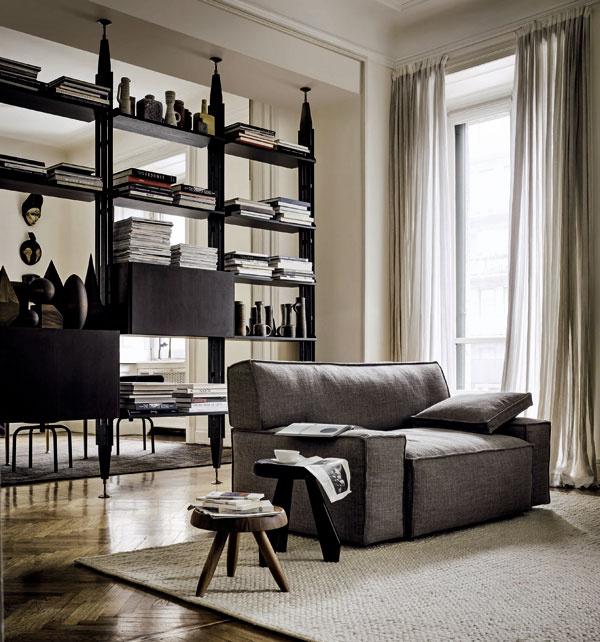 Rovnako ako do architektúry, aj do tvorby interiérov a dizajnu bývania preniká trend hľadania vlastných tradícií. Výsledkom je snaha adaptovať inšpiráciu remeselnou výrobou do sveta dizajnu s vysokou estetickou hodnotou. Aj pohovka od známeho dizajnéra Philippa Starcka prijala ako svieži doplnok masívne drevené stolíky s tradičným duchom.