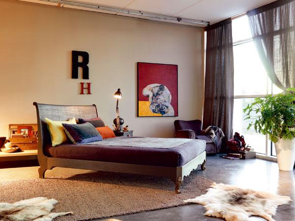 Kolekcia nábytku LE NOTTI od dizajnéra Giordana Marcchettiho je odrazom momentálneho trendu vo všetkých odvetviach umenia, ato spájania tradičných amoderných prvkov.