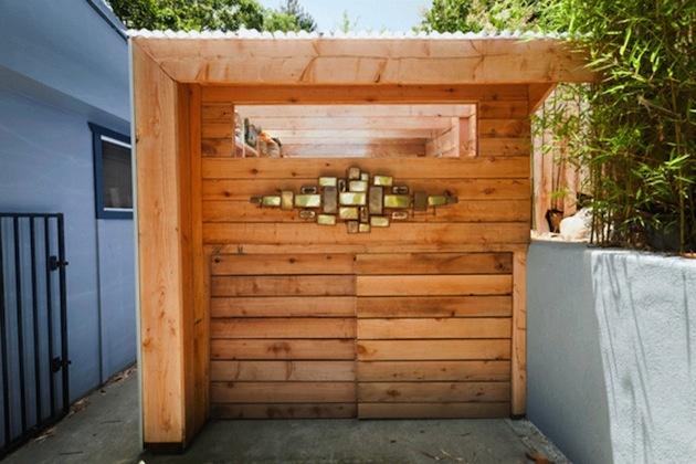 Dizajnér Alex Wyndham zo Santa Barbary sa venuje nevšednému vytváraniu dizajnu kôlničiek a búdok na rôzne účely. Ponúkame vám menšiu ochutnávku z jeho tvorby.