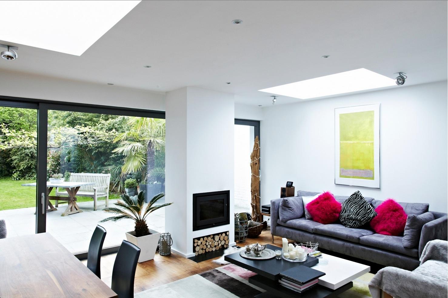 Obývací kút vhodne oživuje interiér.