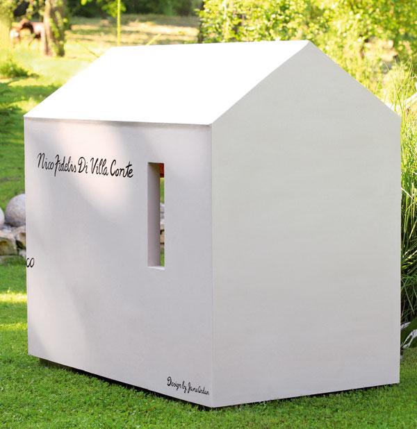 Ak nemáte psa, takáto jednoduchá stavba poslúži ako letné sídlo pre deti.
