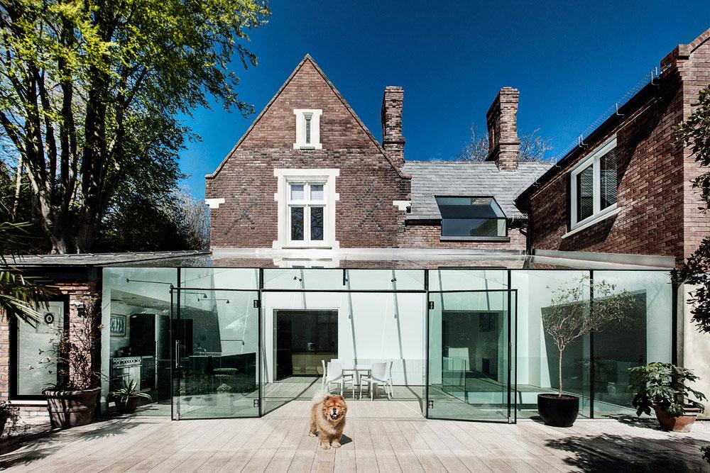 Moderná prestavba tradičného tehlového domu