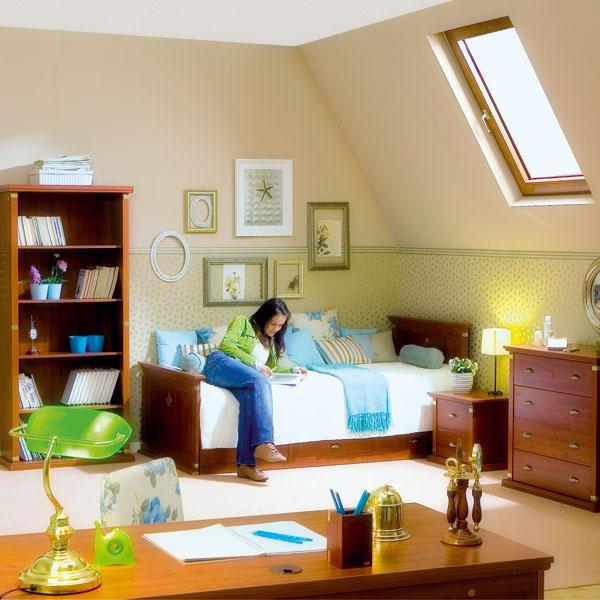 Študentskej izbe s kolekciou dreveného nábytku s klasickým nádychom pristanú jemné farby, ktoré nechajú vyniknúť eleganciu zariadenia. Keď dieťa vyletí z hniezda, môže sa izba využívať ako hosťovská, ktorá nikoho neurazí.