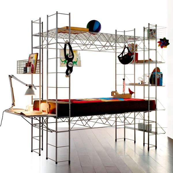 Abitacolo je výchovno-zábavná konštrukcia, ktorú navrhol Bruno Munari. Je to vlastne obytný modul pre mladých a obsahuje všetko, čo mladý človek potrebuje k životu. A čo tam nie je, dá sa doplniť.