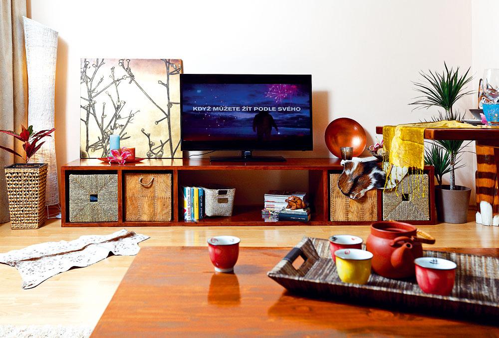 Kôš KNIPSA zmorskej trávy, 12,99 €, IKEA; kôš KOTTEBO zkokosového palmového listu, 14,99 €, IKEA; kôš Bora zbambusu, 13,76 €, www.apropos-shop.sk