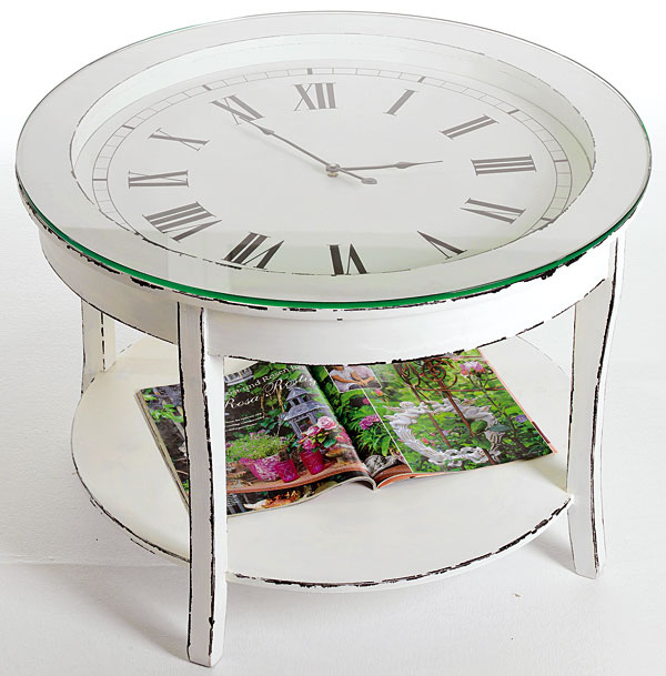 Príručný stolík Audrey z masívneho dreva a tvrdeného skla, s hodinami, 72× 50 × 72 cm, 149 €, kika