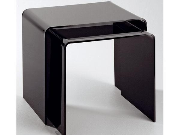 Vyberáme príručný stolík do obývačky