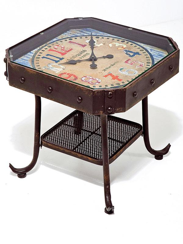 Kovový stolík Antique Clock so zabudovanými hodinami, sklo, MDF, papier, 45 × 45 × 45cm, 239,90 €, Kare, Light Park
