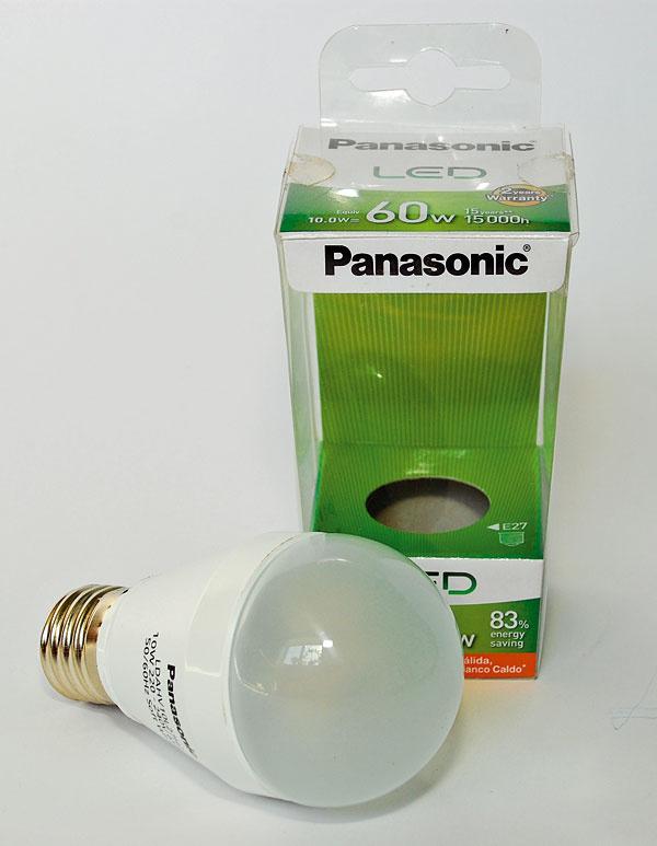 Panasonic LED LDAHV10L27H2 (60 W)   príkon: 10 W trieda: A svietivosť: 806 lm nestmievateľná životnosť: 15 000 h/100 000 cyklov cena: 17,50 €