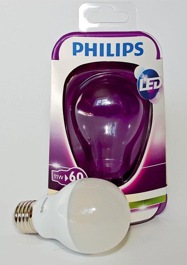 Philips LED 9290002206 (60 W)    príkon: 11 W trieda: A svietivosť: 806 lm nestmievateľná životnosť: 10 000 h/50 000 cyklov cena: 22,50 €