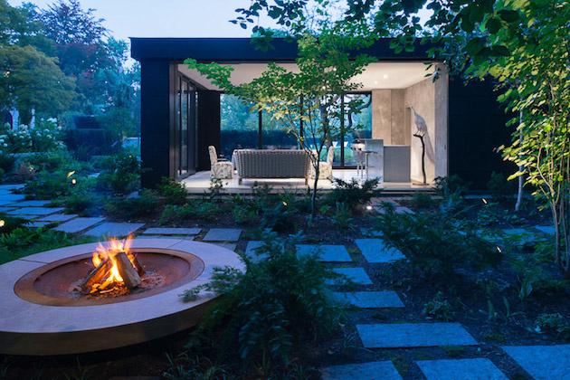 záhradný pavilón na večer s priateľmi