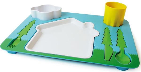 Jedlo ako hra Kŕmenie môže byť pre deti dobrodružstvo. Sjedálenským setom Landscape od Doiy sa deti budú  zabávať azároveň učiť pravidlám stolovania. 29,95 €, www.chooze.sk