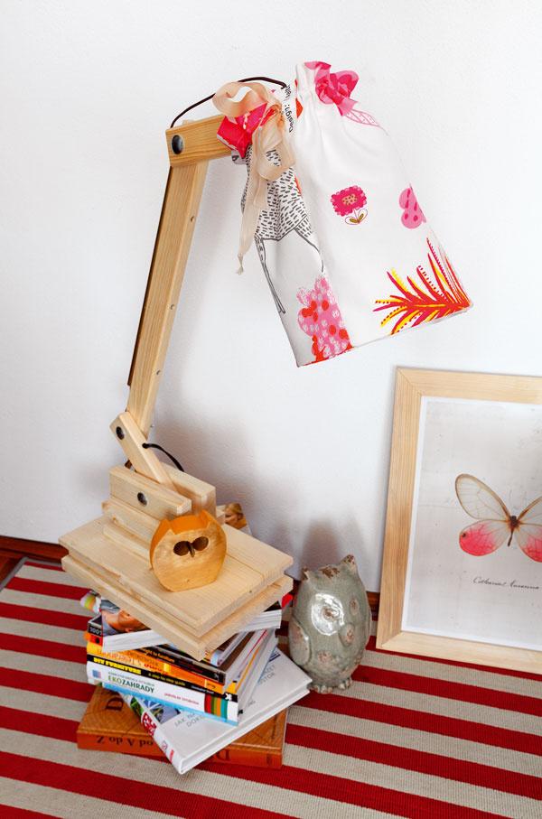 Vyrobte si stolnú lampu z dreva
