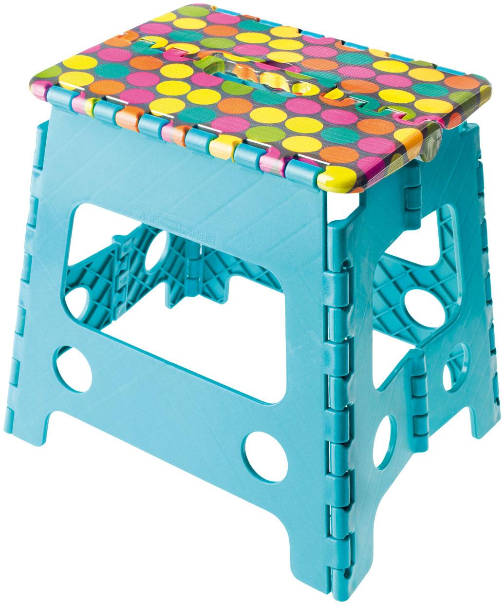 Skladacia stolička sa hodí nielen pre deti do kúpeľne, ale aj všade tam, kde vám chýba zopár centimetrov.  Stolička VIGAR Candy, výška 22 cm, nosnosť 125 kg, 17,40 €, www.bytovedoplnky.sk