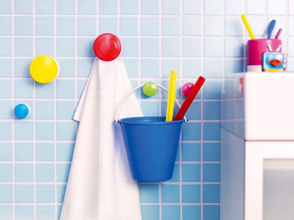 Vyžeňte nudu z kúpeľne malými drobnosťami