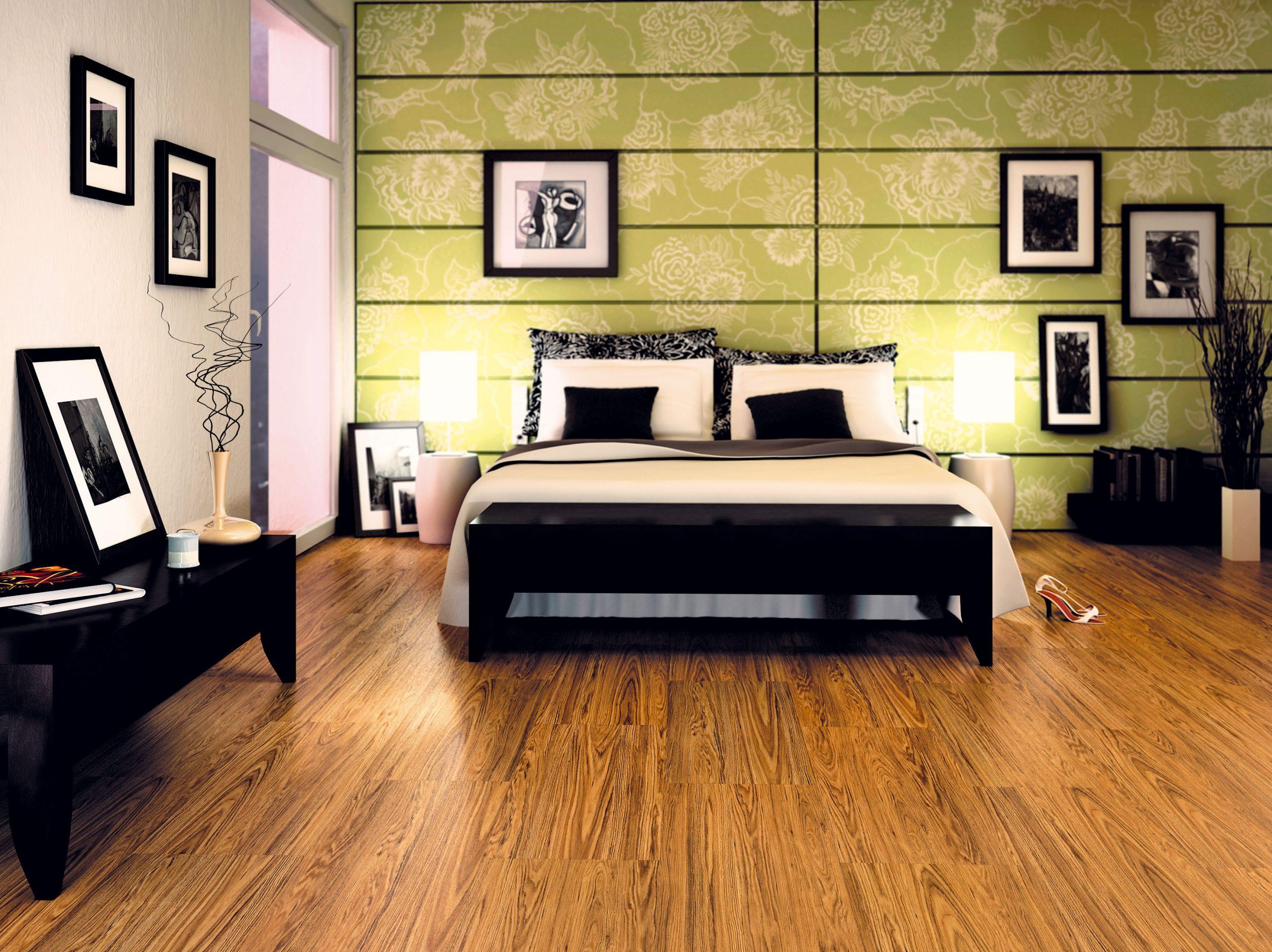 Vzávislosti od nárokov na podlahu sa odporúča vjednotlivých miestnostiach použiť rôzne podlahové krytiny. Podlaha vkuchyni musí byť odolná najmä proti vode apoškodeniu, vobývačke by mala byť príjemná adávať pocit komfortu, vspálňach zas teplá. Netreba zabúdať, že podlaha vdetskej izbe má iné dizajnové nároky ako tá vizbách seniorov, kde sa hodia skôr klasické dezény. (foto: Fatra, podlahy Fatraclick, predáva Magnet Trade.)