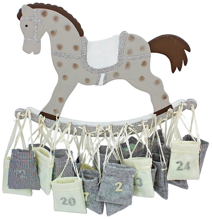 Adventný kalendár koník, 46,38 €, www.almara-shop.cz