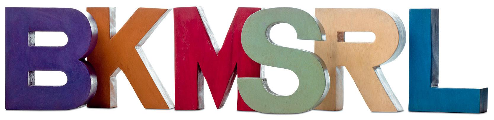 Dekorácia vtvare písmen, agátové drevo, rôzne farby, výška 15 cm, 18 €, BoConcept