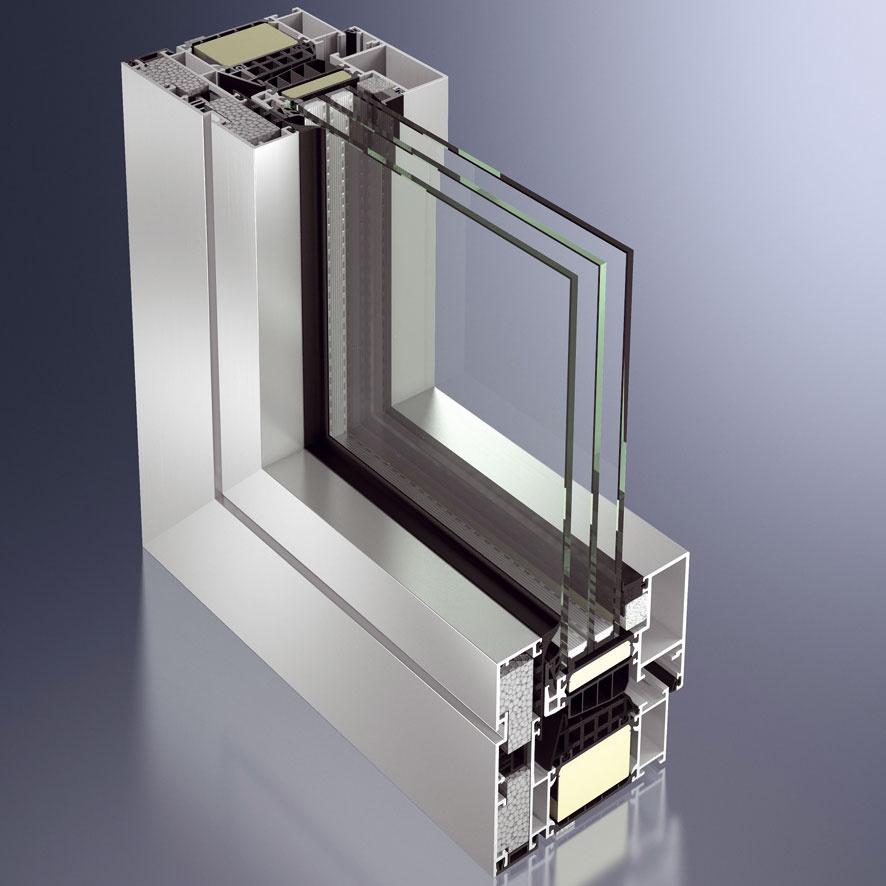 Schüco AWS 112.IC je prvým hliníkovým oknom, ktoré spĺňa kritériá pasívnej výstavby (Uw ≤ 0,8 W/(m2 . K) pri pohľadovej šírke 120 mm). Potrebné parametre rámu sa dosiahli kvalitným stredovým tesnením, zvýšenou izoláciou apredsadením špeciálneho profilu upevneného bez tepelných mostov.