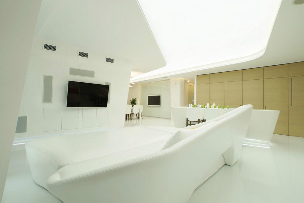 Biely futuristický byt ako zo sci-fi filmu