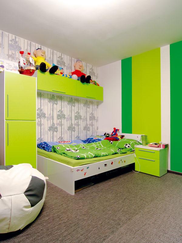 Druhá detská izba vchlapčenskom duchu sa už s radosťou využíva.
