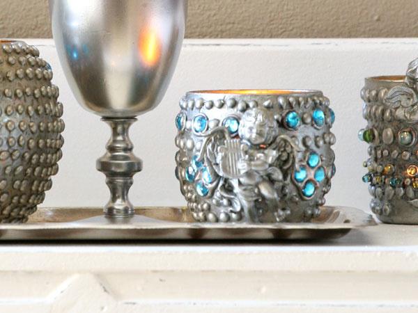 Čarovné svietniky zo sklenených pohárov