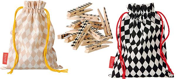 Kúzlo detailov. Dánska dizajnová značka Ferm Living je plná farieb a vzorov, ktoré nevšedným štýlom premenia klasickú kúpeľňu na modernú a hravú. Aj maličkosť ako drevené vzorované štipce v originálnych vreckách stojí za to.