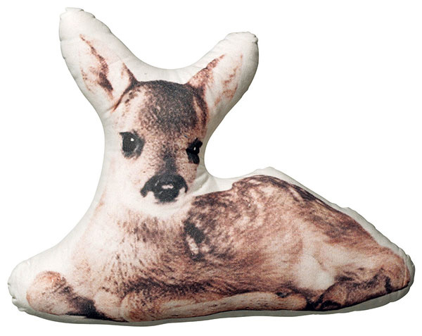 Bambi, tvarovaný obrys, bavlna, 40 × 33 cm, 40 €, www.bloomingville.com