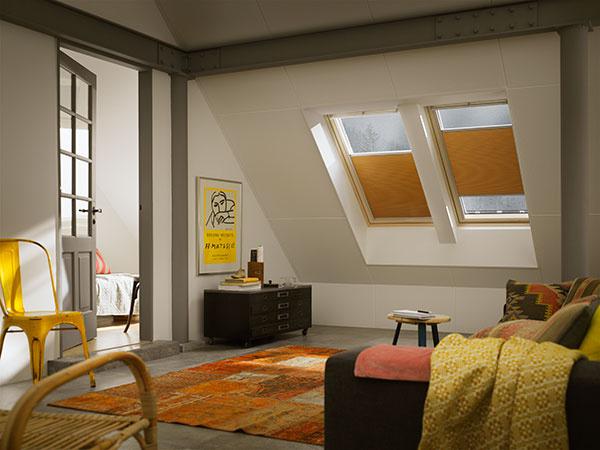 Dvojito plisovaná roleta zlepší izolačné vlastnosti okna, navyše je nastaviteľná v akejkoľvek pozícii okna. Môžete si tak zatemniť miestnosť, ako potrebujete.