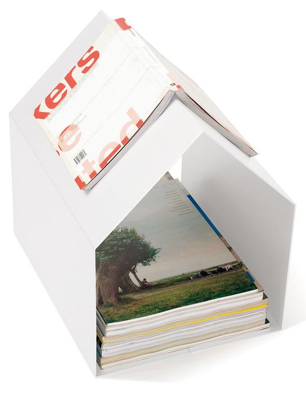 Stojan Magazine, vyrába Konstantin Slawinski, striekaná oceľ, možnosti rôznych farieb, 32 × 32,5 × 26 cm, 92 €, www.chooze.sk