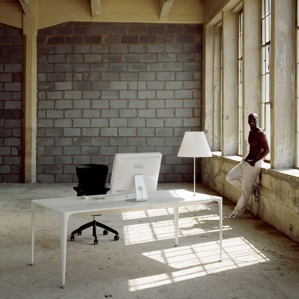 Kancelársky stôl – živá dizajnérska téma