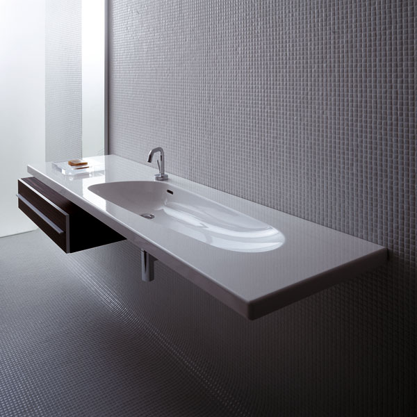 Kúpeľňová keramika: Strohá aj hravá, pravouhlá aj organická