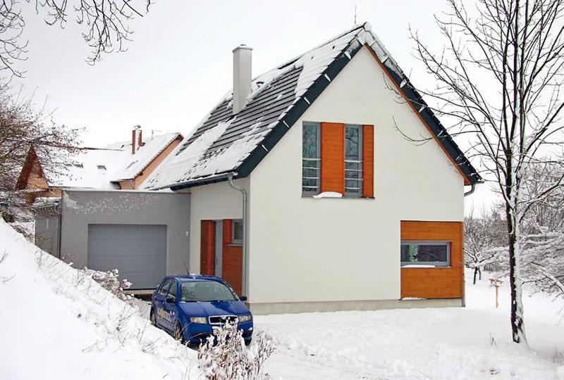 5 Energeticky pasívny rodinný dom Varnsdorf, K-Kontrol – Czech Pan, s. r. o., zastavaná plocha 124 m2, podlahová plocha 140 m2, dispozícia 5 + 1