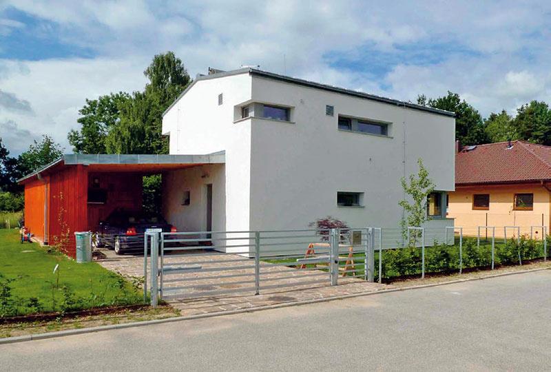 3 Energeticky pasívny rodinný dom Litvínovice-Šindlovy Dvory, Maky, s. r. o., zastavaná plocha 83 m2, podlahová plocha 146 m2, dispozícia 5 + kk