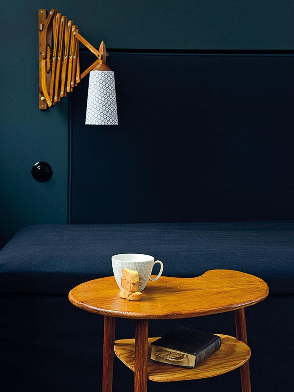 Nástenná lampa vštýle vintage vychádza znávrhov Curta Fischera zdvadsiatych rokov 20. storočia.