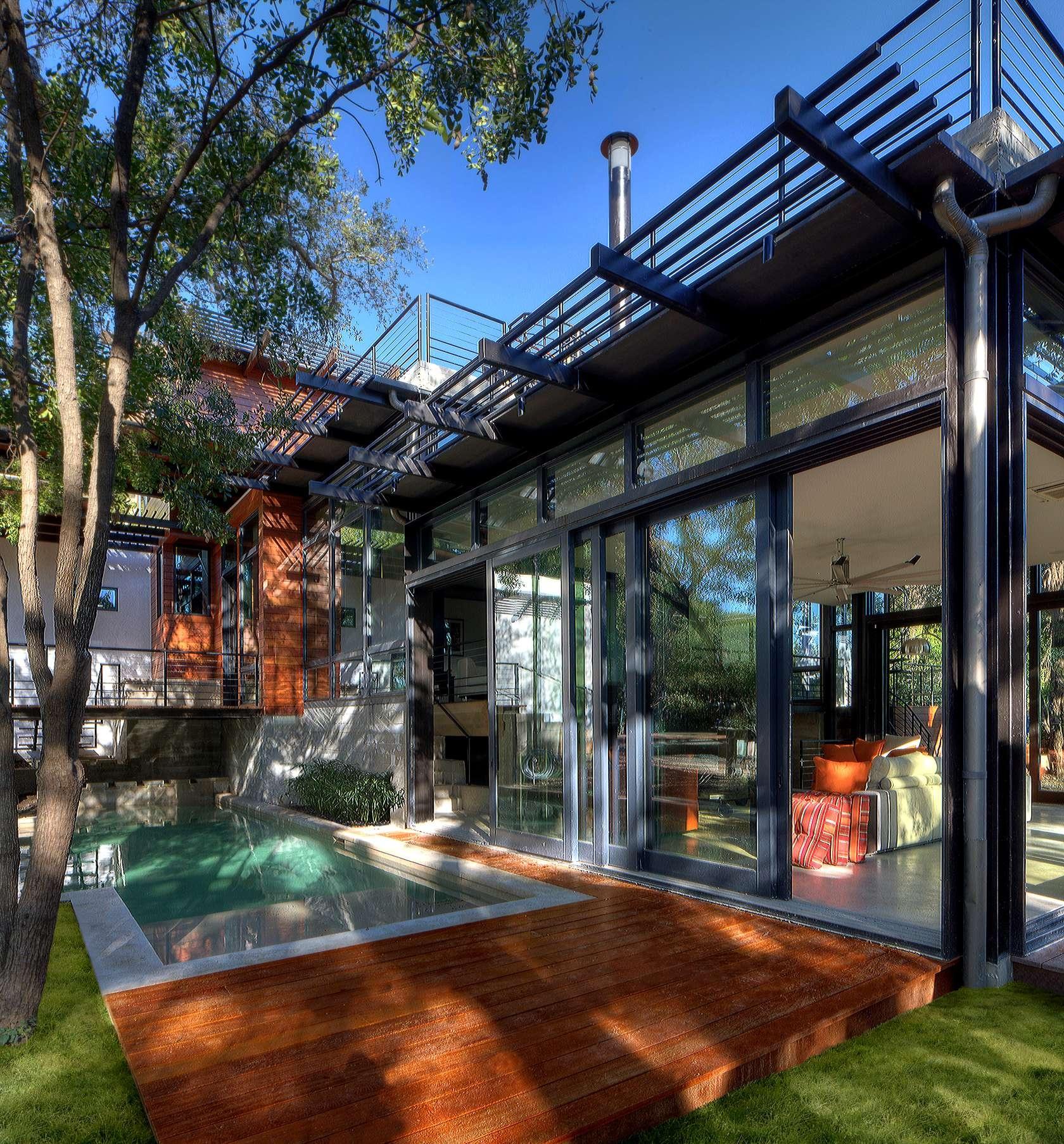 V San Antoniu postavili nádherný ekologický dom s komiksovým názvom Green Lantern