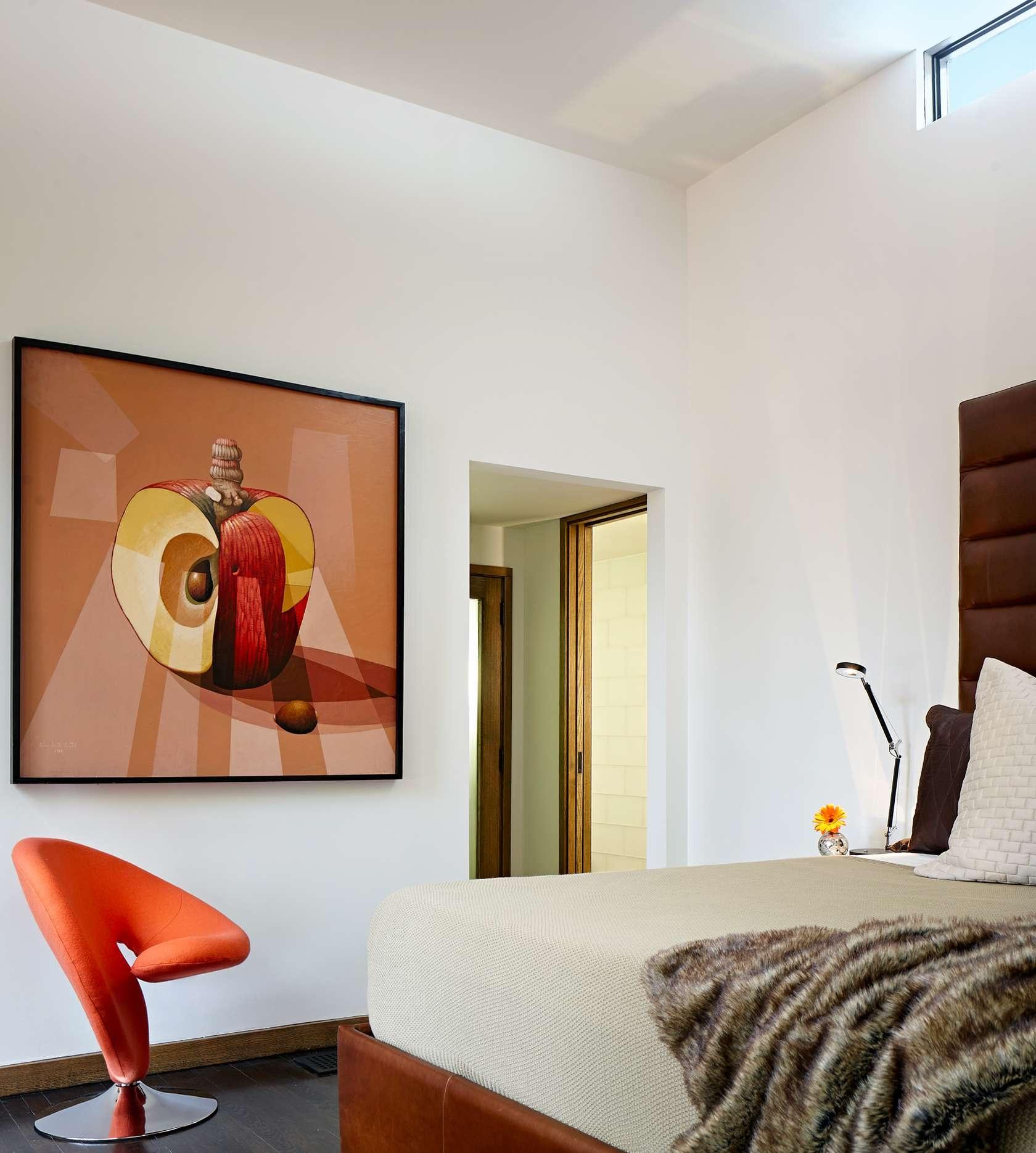 Nápaditý obraz krásne dopĺňa okolitý minimalizmus.
