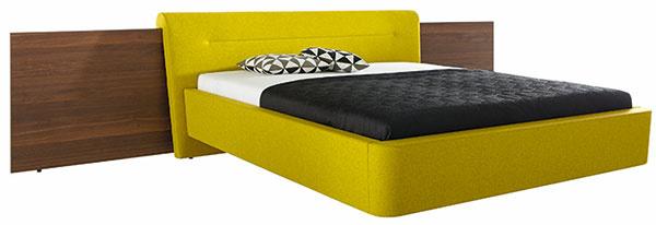 Celočalúnená posteľ SERA od firmy Hülsta, bez matracov aroštov, vrátane dyhovaného čela zdymového duba, od 3 490 €, Merito