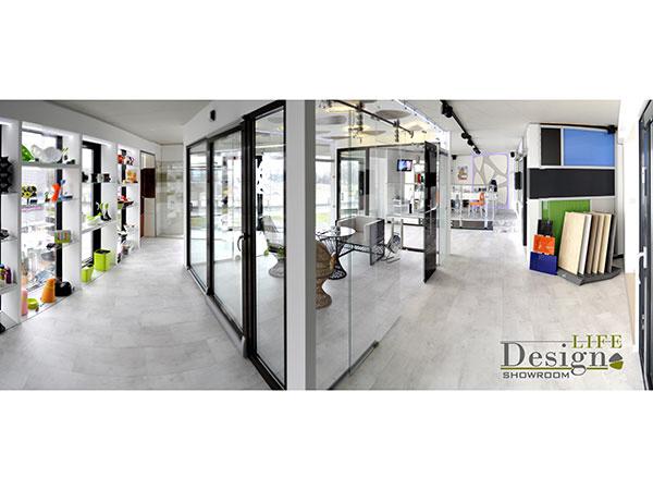 Posuvné systémy v showroome Design Life