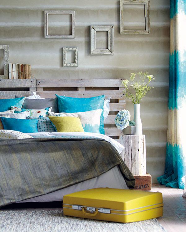 Ťahy štetcom na plátne impresionistického maliara. Taká poetická ainšpiratívna je kolekcia textílií Serene atapiet Demeter Stripe od značky Harlequin. (Predáva Cymorka Interior Design.)