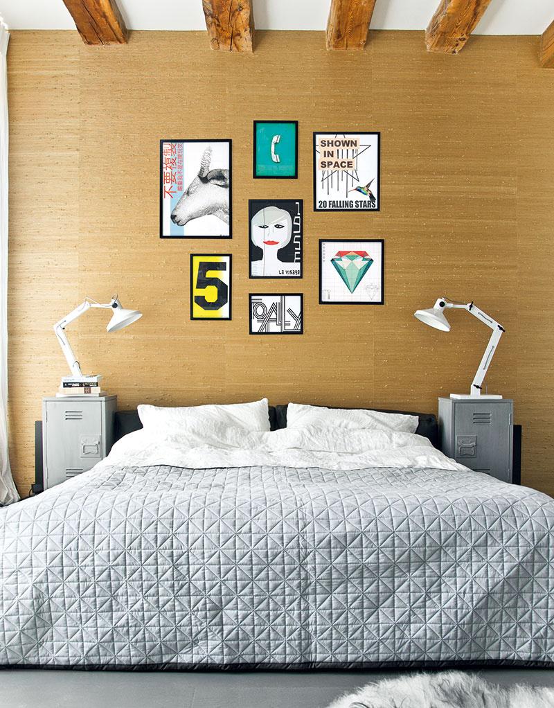 """Ak vám niekto spomenie industriálny dizajn a vy si hneď predstavíte špinu a prach, nemôžete byť od pravdy ďalej. Trend doplnkov """"z továrne"""" je stále silnejší. Skúste to a na začiatok oživte monotónnu posteľ napríklad industriálnym nočným stolíkom. (foto: HK Living)"""